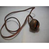 Cascabel Antiguo Instrumento Musical, Cuero Y Metal.