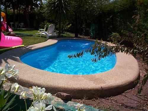 Piscinas de fibra de vidrio al mejor precio modelo bora for Costos de piscinas