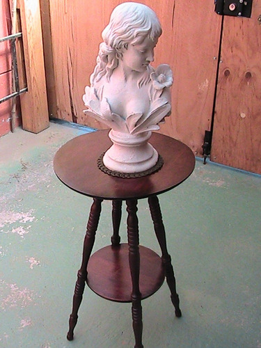 Escultura- Figura- Busto   De Fierro