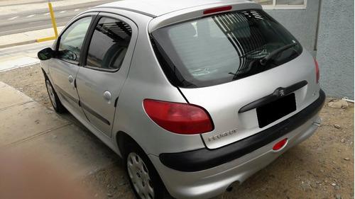 Peugeot 206 2000 Foto 3