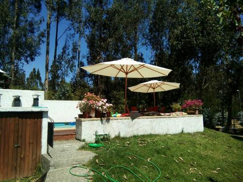 quitasoles y juegos de terraza en maderas nativas
