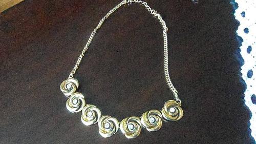 795915795854 Lindo Collar En Forma De Rosas Con Circon.