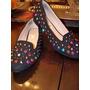 Zapatos Reina Fondo Negro Con Tachas De Colores