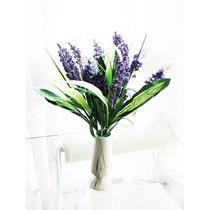 Arreglo Floral Flores Lilas Con Florero Loza Cerámica