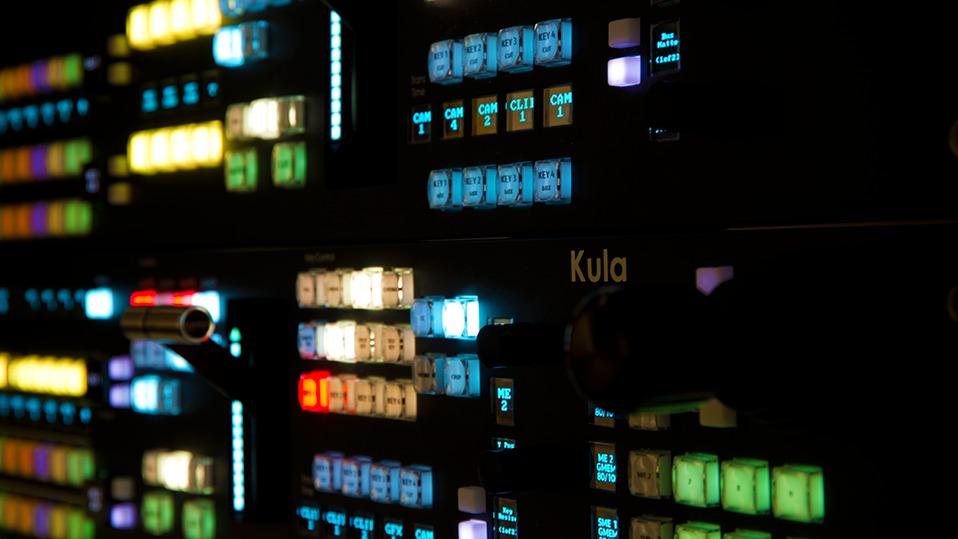 Kula 1 M/E 24 crosspoint control panel - Switch de Televi...